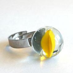 Morsom, nostalgisk ring laget av klinkekule.  Materialer:  - Klinkekule  - Regulerbar ring i hypoallergenic stål. En solid ring i god kvalitet. Gemstone Rings, Stud Earrings, Gemstones, Jewelry, Jewlery, Gems, Bijoux, Ear Gauge Plugs, Jewerly