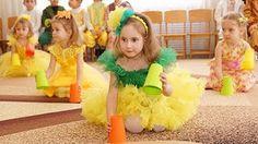 игра на стаканчиках - YouTub Fun Classroom Games, Music Classroom, Preschool Music, Preschool Crafts, Beginner Ballet, Flower Dance, Elementary Music, Kids Songs, Music Lessons