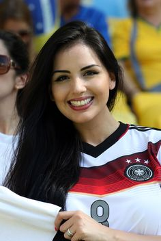 Its the German fans that are the cutest Soccer World, Soccer Fans, Football Soccer, Football Brazil, Female Football, Football Girls, Football Match, Hot Fan, Sporty Girls