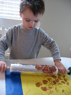 Use a rolling pin to make a leopard print !