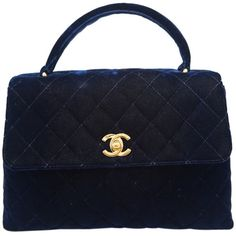 Pre-Owned Chanel Navy Velvet Kelly Evening Bag with Gold Hardware ($1,150) ❤ liked on Polyvore featuring jewelry, bags, chanel, borse, handbags, navy blue, pre owned jewelry, multicolor jewelry, sparkling jewellery and chanel jewelry