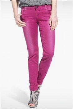 Craquez pour ce pantalon au coloris pétillant et effet used ! On aime le détail des zips sur le bas des jambes et la coupe slim qui fait une silhouette de rêve ! Les poches du dos sont embellies par des broderies fantaisie. Pantalon, coupe slim, coloris uni, effet used, 2 poches plaquées avec broderie, 2 poches cavalières, zip et bouton, passants ceinture.<br/>