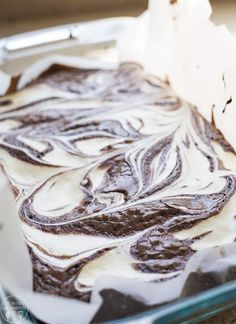 Cheesecake swirled brownies are a rich chocolatey brownie, swirled throughout with a tangy, creamy cheesecake filling for an irresistible treat! Pin these Cheesecake Swirled Brownies for Later! Cheesecake Swirl Brownies, Cream Cheese Brownies, Box Brownies, Cream Cheese Desserts, Brownie Cake, Boxed Brownie Recipes, Best Brownie Recipe, Delicious Desserts, Dessert Recipes
