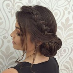 Pin on Pent cabelo Pretty Hairstyles, Braided Hairstyles, Hair Upstyles, Wedding Guest Hairstyles, Bridesmaid Hairstyles, Quinceanera Hairstyles, Elegant Wedding Hair, Wedding Hair Inspiration, Wavy Hair