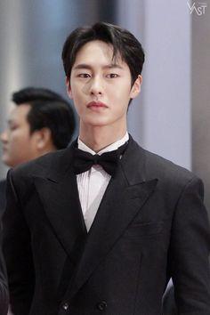 Yoo Yeon Seok, Lee Jong Suk, Handsome Korean Actors, Nam Joohyuk, Asian Love, Joo Hyuk, Asian Babies, Cute Actors, Kdrama Actors