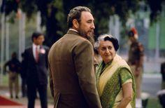 Indira Gandhi y Fidel Castro. Tres momentos. India, Nueva Delhi. 7ª Conferencia de Países No Alineados. 1983. Autor Raghu Rai. © Raghu Rai/Magnum Photos
