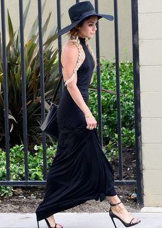 Black maxi, Black sunhat & Black heels