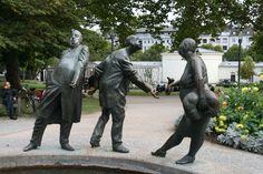 Aachen - de 'Kreislauf des Geldes' (1970 - Karl Henning), een van de 60 fonteinen in de stad.  Het wordt in de volksmond de Geldbrunnen genoemd, omdat hij door de Sparkasse is geschonken. Foto: G.J. Koppenaal - 26/9/2014