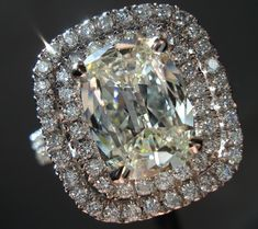Henri Daussi Halo diamond