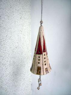 Windspiele - Glocke ♥HÄUSCHEN♥ Keramikglocke - ein Designerstück von beckkeramik bei DaWanda