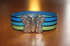 """""""NOUVEAUTE"""" bracelet en cuir bleu et vert fermoir papillon aimanté : Bracelet par isabond007"""