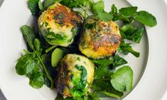 three round patties of bubble and squeak on salad leaves on a plate Nigel Slater The Guardian Vegetarian Teas, Vegetarian Starters, Vegetarian Recipes, Healthy Recipes, Vegetarian Cooking, Vegan Food, Healthy Foods, Vegetable Sides, Vegetable Recipes