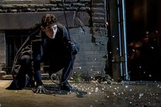 Gotham has spent the last four seasons so far slowly transitioning young Bruce Wayne into Batman. The latest episode revealed one more way Bruce is becoming Batman, and it has nothing to do with capes or masks. Gotham Bruce, Gotham Show, Gotham Tv Series, Gotham Batman, Gotham Season 4, Michael Hunt, David Mazouz, Fish Mooney, Brooklyn Beckham