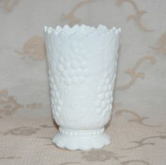 Milk Glass Deckle Edge Grapes with Leaves White 6 inch Tall #Unknown