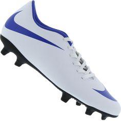 b5c4ade6bb A Chuteira Nike Bravata II FG Campo Masculina é feita em material  sintético