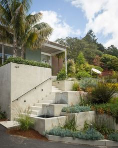 Edward Killingsworth, one of the famed Case Study Houses architects built this stunner in Piedmont California. This was his only Case Study House outside of Landscape Design, Garden Design, House Design, Contemporary Landscape, Garden Stairs, Garden Path, Herb Garden, Outdoor Stairs, Sloped Garden