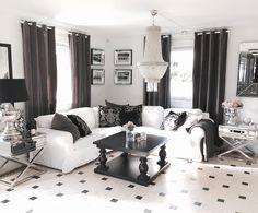 Ha en fin høstkveld alle sammen!  #Lysekrone #salongbord #speilrammer og speil på lager hos @classicliving ............................................. #classicliving #interiør