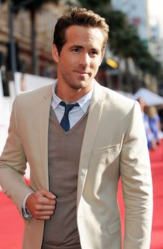 Where my love for Ryan Reynolds came from? I have no idea. But I love him just the same! Chrissi