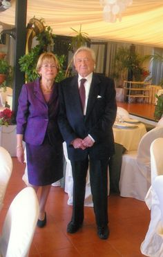Giacomo Manganaro (9 April 1927-24 Febr. 2016), ancient historian, epigraphist and numismatist, professor at the University of Catania, specialist of Greco-Roman Sicily; 2009 with his wife Maria Eugenia Bua for the 40th anniversary of their wedding (kindly transmitted by his wife) Catania, 40th Anniversary, Historian, Sicily, Professor, Roman, University, Portraits, Wedding