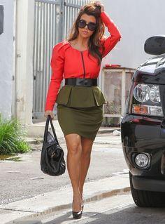 Leave it to Kourtney Kardashian to do balsy puplum colorblock combo!