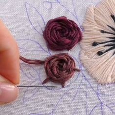 FRENCH KNOT EMBROIDERY VIDEO How do you feel about French knots? French Knot Embroidery, Hand Embroidery Videos, Hand Embroidery Flowers, Embroidery Stitches Tutorial, Flower Embroidery Designs, Creative Embroidery, Learn Embroidery, Embroidery For Beginners, Crewel Embroidery