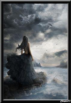 Femme en noir regardant les éclairs (Gif) ..