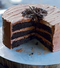 Trelags mørk chokoladekage (Triple layer dark chocolate cake) Chocolate Cake Designs, Dark Chocolate Cakes, Chocolate Lovers, Sweet Cakes, Dessert Recipes, Desserts, Yummy Cakes, Food Photo, Sweet Recipes
