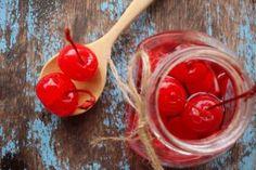 Las cerezas en almíbar se preparan como cualquier conserva. Mira la lista de ingredientes y hazlas en casa. ¡Es un método fácil y seguro!- cerezas en almibar 5 pasos Relleno, Vegetables, Food, Home, Candy, Chocolate Spread, Marmalade, Fruit, Pastries