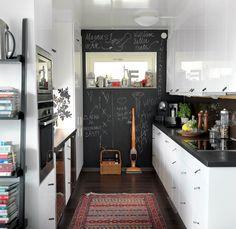 kitchen - chalkboard wall