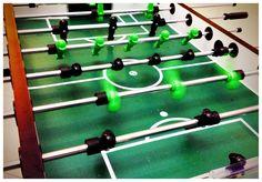 Ostatnie dni ferii zimowych w SKY TOWER!  Zapraszamy dzieci i młodzież na bezpłatne treningi kultowych piłkarzyków. Do niedzieli 1 lutego możecie korzystać z ośmiu stołów do gry w piłkę stołową ustawionych na parterze Galerii.   http://galeria.skytower.pl/ferie-2015.html Ferie w SKY TOWER tylko do niedzieli 1 lutego!