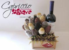 50% de Descuento en Arreglo de Frutillas Achocolatadas con Vino Tinto y entrega a domicilio por Capriccio   Cuponaso. En Ecuador, juntos com...