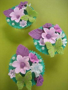 Flower Cupcake - I LOVE this