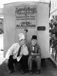 Oliver Hardy, Stan Laurel, Pack Up Your Troubles, 1932 Papier Photo