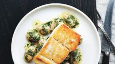 The halibut is brined briefly in salt water, which seasons it all the way through and pairs beautifully with herby beans. # Food and Drink pairing Pan-Roasted Halibut with Herbed Corona Beans Recipe Bean Recipes, Fish Recipes, Seafood Recipes, Dinner Recipes, Holiday Recipes, Dinner Ideas, Seafood Meals, Healthy Cooking, Gourmet