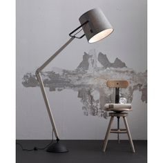 Lampa podłogowa Legend to prosta i funkcjonalna forma, która sprawdzi się we wnętrzach minimalistycznych oraz loftowych. http://blowupdesign.pl/pl/21-lampy-stojace-podlogowe-salonowe-do-czytania #homelighting #floorlamps #industriallamp #design #homedesign #lightingstore #lighting