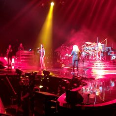 Jason Short @ctor     Queen Adam Lambert and Queen Brian May wanting it all and wanting it now