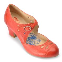 So pretty ... Love vintage inspiration!! ... Oh these Brako shoes were all made for my vintage soul ... If only I could afford them!