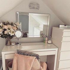 Dressing Room Decor, Bedroom Dressing Table, Dressing Room Design, Ikea Malm Dressing Table, Dressing Table Mirror, Dressing Table Inspo, Room Ideas Bedroom, Bedroom Decor, Ikea Teen Bedroom