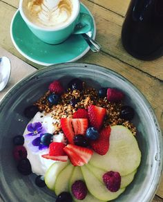 Barry Cafe in Westgarth now have a delicious vegan-option breakfast. Peanut butter granola with fruit and coconut yoghurt. Delicious. Great coffee too. #vegan #veganbreakfast #coffee #whatveganseat #granola #westgarth #breakfast by miss_k_