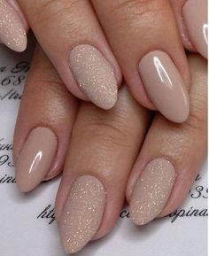There are three kinds of fake nails which all come from the family of plastics. Acrylic nails are a liquid and powder mix. They are mixed in front of you and then they are brushed onto your nails and shaped. These nails are air dried. Cute Nails, Pretty Nails, My Nails, Nails 2017, Gorgeous Nails, S And S Nails, Fabulous Nails, Pretty Makeup, Bride Nails
