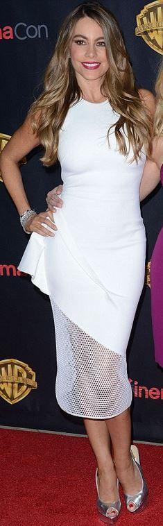 Sofía Vergara's white dress and silver platform pumps