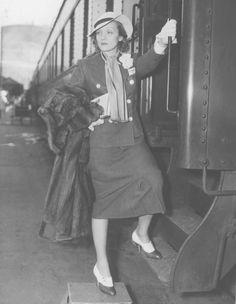Marlene Dietrich boarding a train in L.A. in 1936. (Photo: Los Angeles Times)