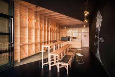 """Café """"Abbots and Kinney"""", em Adelaide, Austrália. Projeto de Studio Gram."""