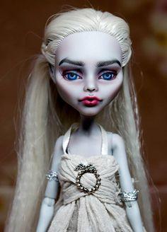 "OOAK MH Art Doll Repaint ""Daenerys Targaryen"""