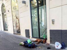 Dillo a #NapoliTime  Vomero invaso da centinaia di accattoni e questuanti