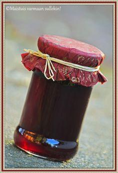 Marja-aronia hyytelö Recipes From Heaven, Preserves, Nom Nom, Barware, Food And Drink, Drinks, Food Heaven, Finland, Pickles