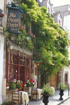 Restaurant Au vieux Paris d'Arcole  près de Notre-Dame  #WanderingSole