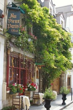 Restaurant Au vieux Paris , near Notre-Dame - Paris  Best moules et frites in the world, served right here