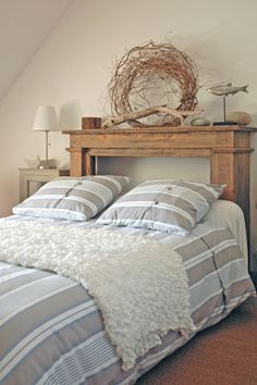 With a few more nautical elements this would be a great guest room.