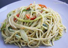 Cuketové špagety s avokádovým pestom (fotorecept) Pesto, Ale, Spaghetti, Ethnic Recipes, House, Food, Home, Ale Beer, Essen